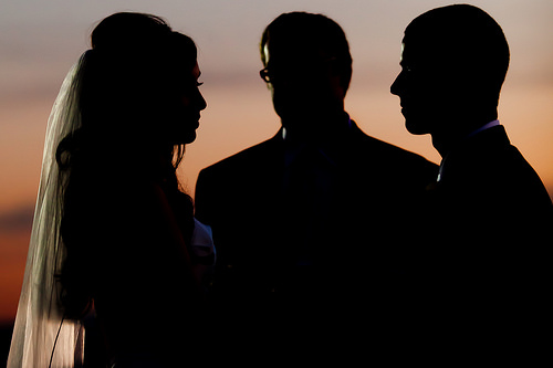 Dark wedding Photo